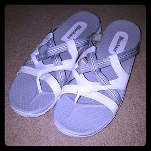 SKECHERS strappy comfortable sandals EXCELLENT